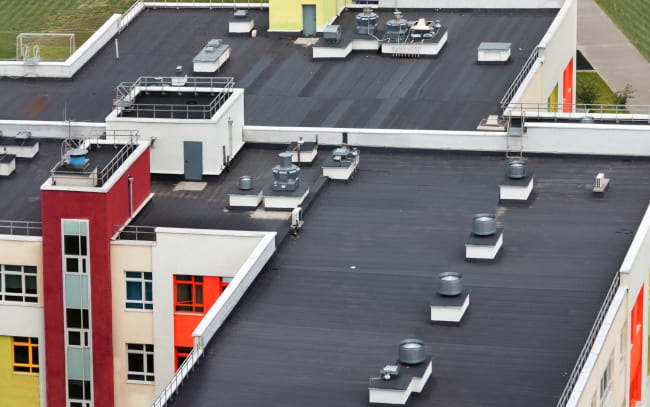 Use Commercial Roofing Contractors For Your Next Roofing Project