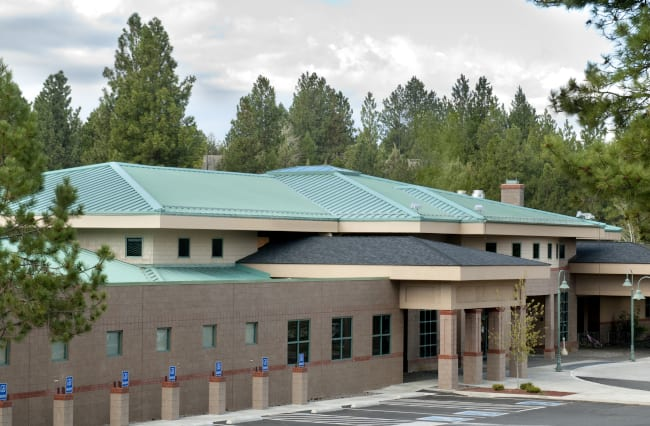Reasons to Consider Commercial Metal Roofing for Your New Build